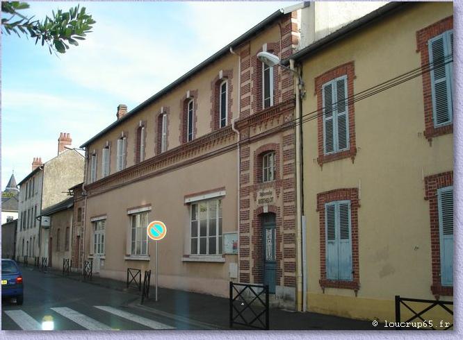 Ecoles de tarbes for Architecte tarbes